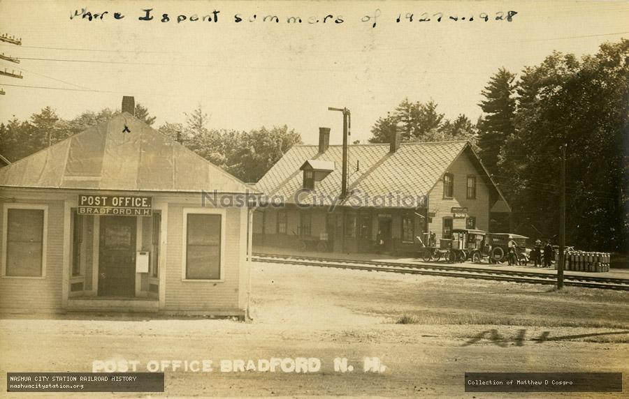 Postcard: Post Office Bradford, New Hampshire
