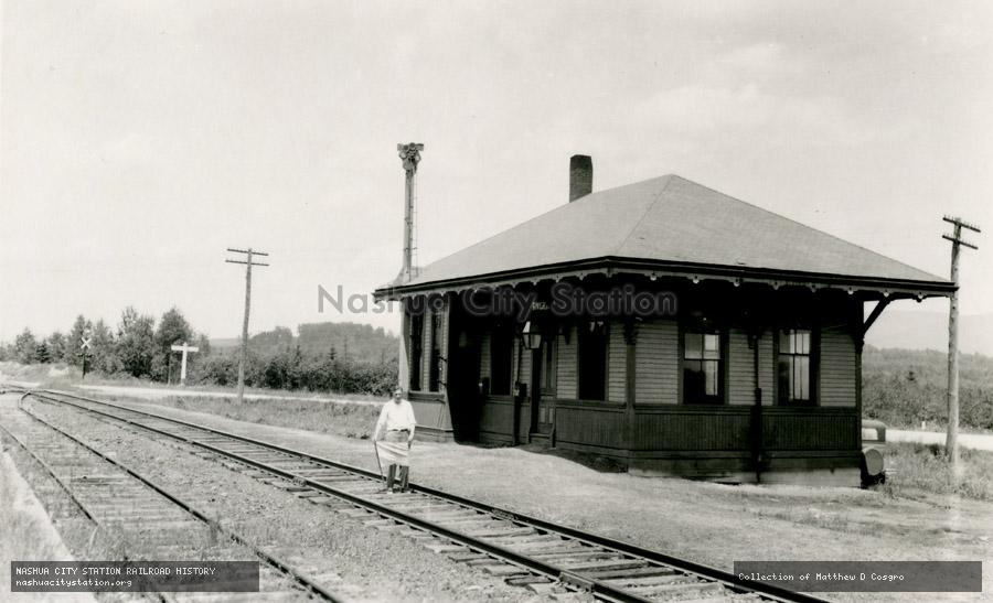 Postcard: Riverton station