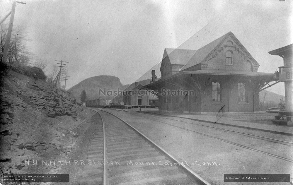 Postcard: New York, New Haven & Hartford Railroad Station, Mount Carmel, Connecticut